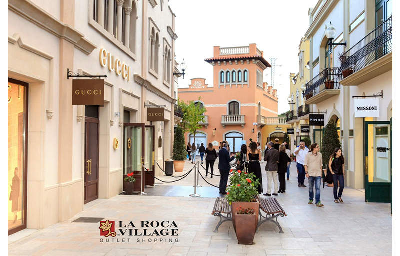 airtecnics-cortinas-aire-air-curtains-roca-village-barcelona-gucci-armani-shop.jpg
