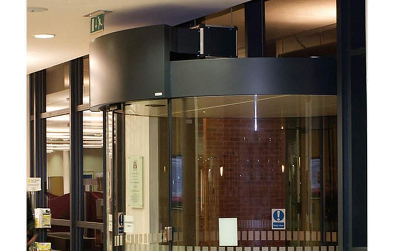 airtecnics-air-curtains-cortina-aire-rotowind-puertas-giratorias-revolving-doors-8.jpg
