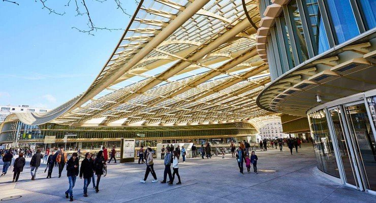 Forum-des-Halles-in-Paris.jpg