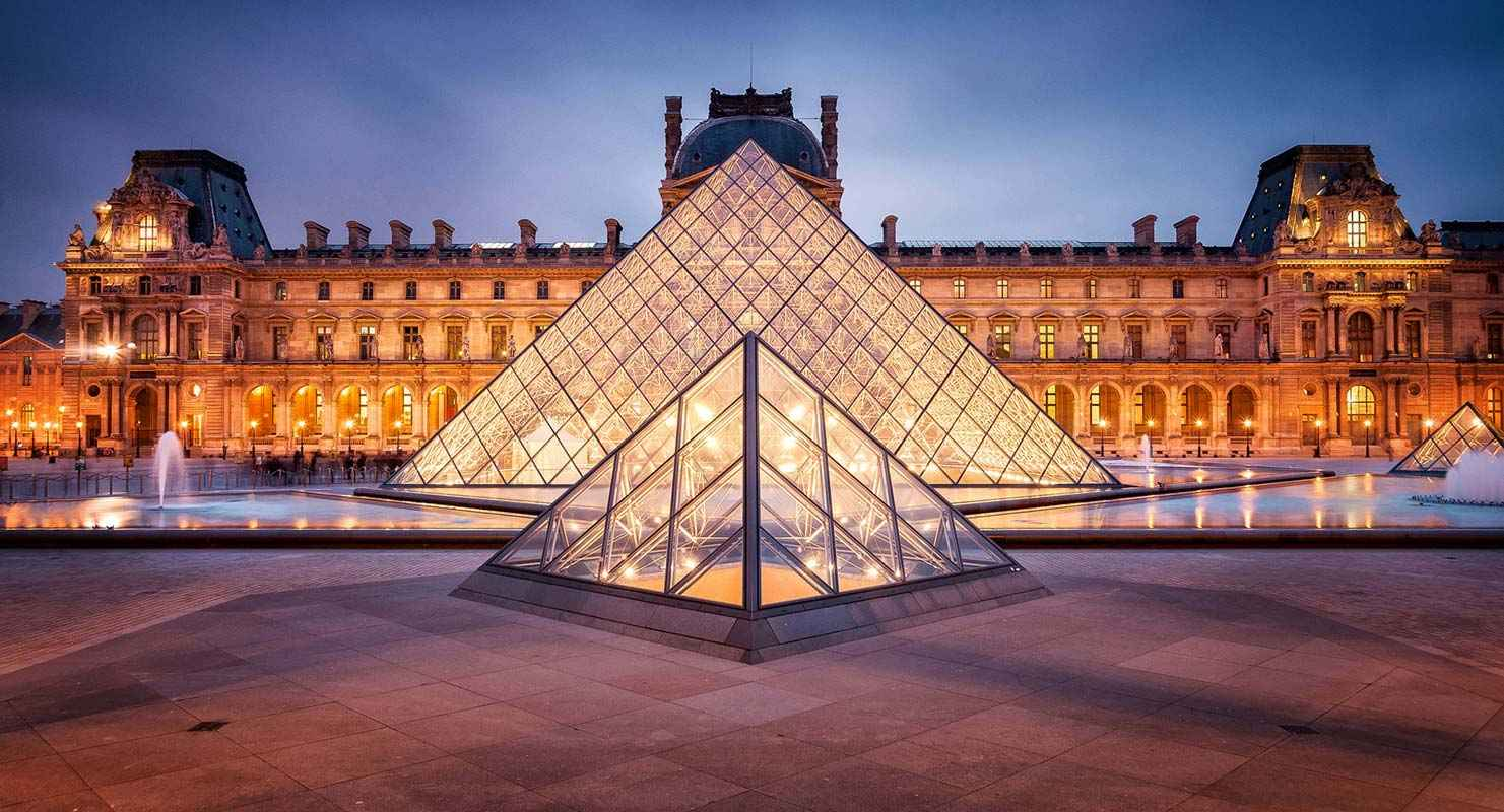 Louvre-museum-in-Paris.jpg
