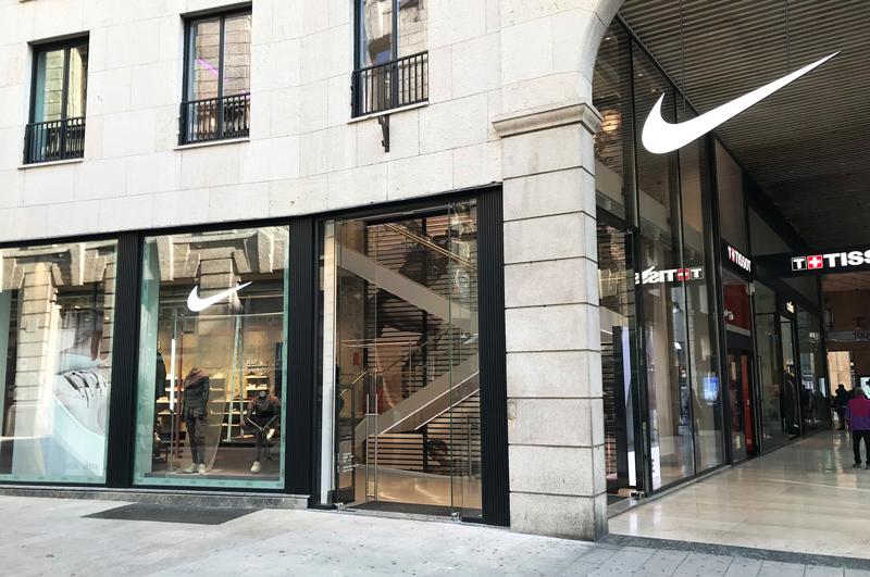 Air-curtains-ZEN-BB-Nike-Milano-flagship-store-Mini.jpg