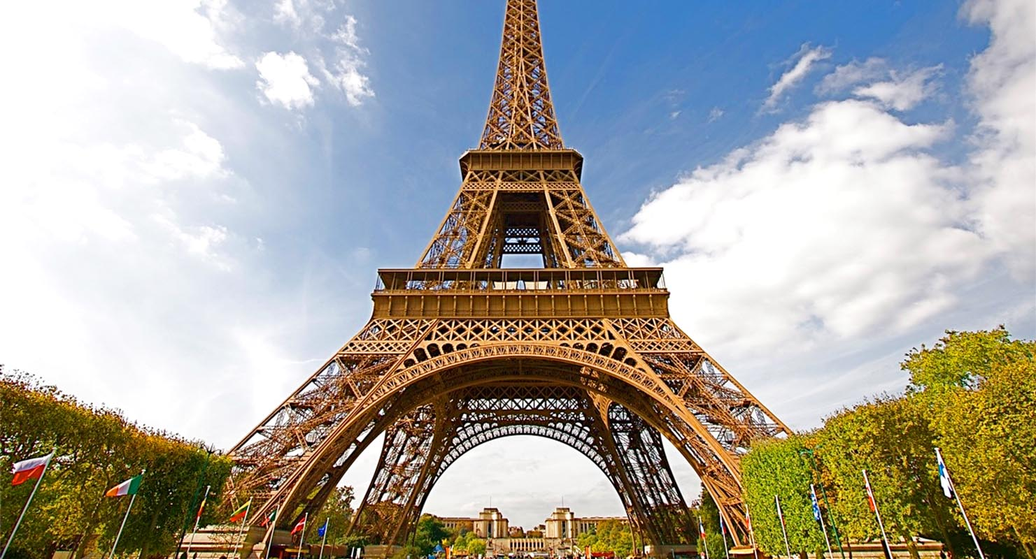 Eiffel-Tower-in-Paris.jpg