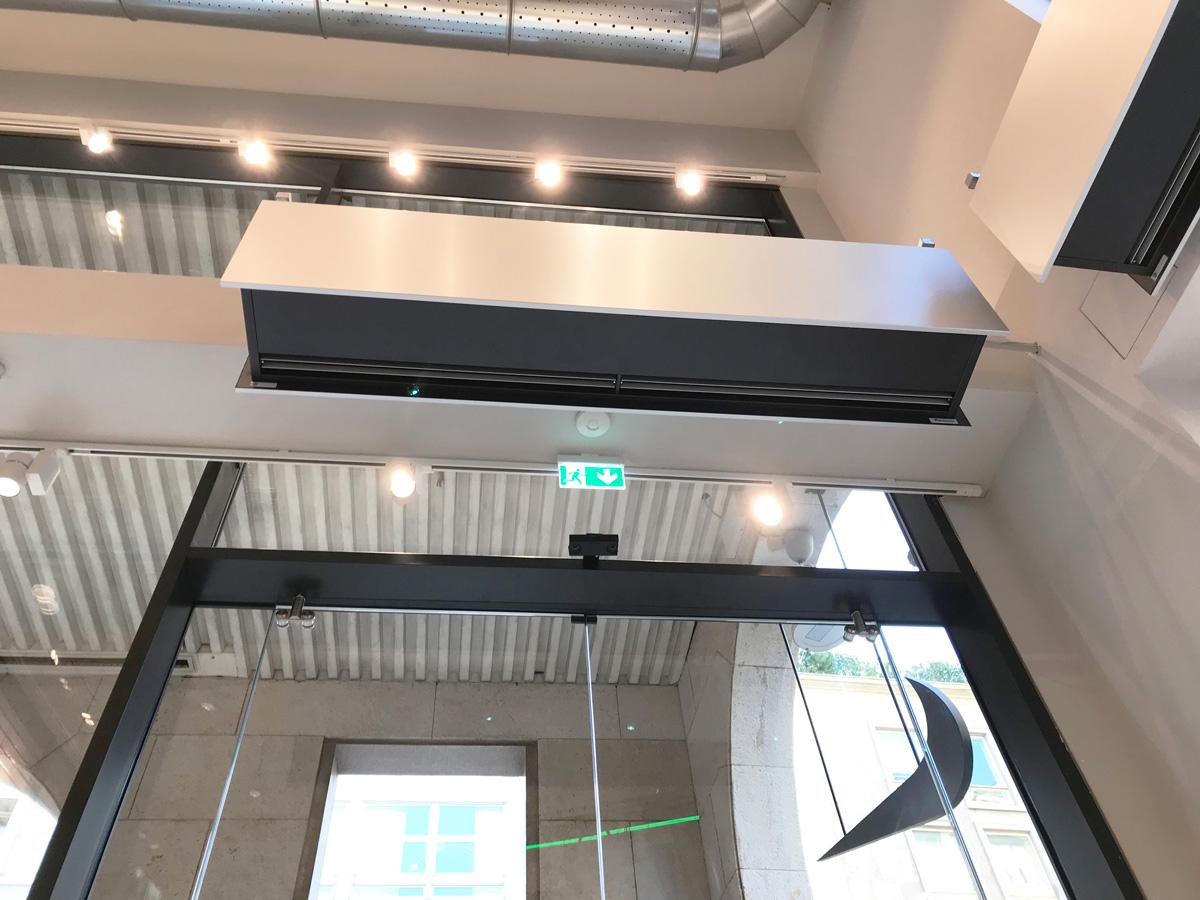 Air curtain ZEN BB Nike Milano flagship store Italy Airtècnics