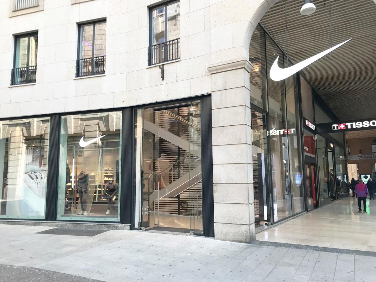 Nike Milano flagship store air curtains Airtècnics Italy