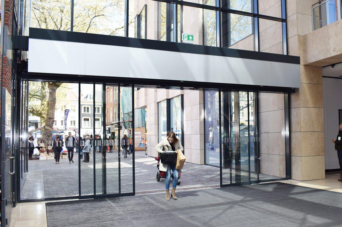Multiple ZEN air curtains at Shopping Centre Hoog Catharijne in Utrecht, Netherlands