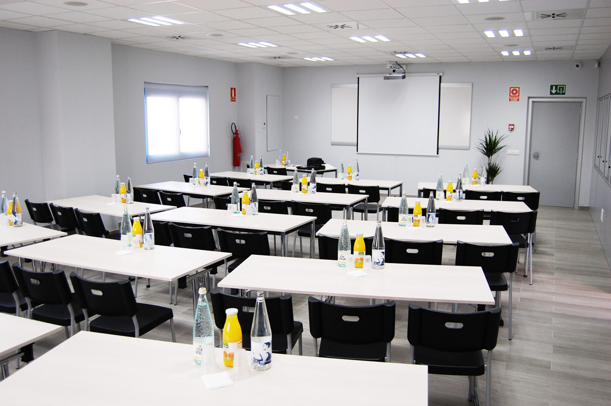 Multi-purpose room for training, presentations, conferences and events of air curtains and ventilation Airtecnics